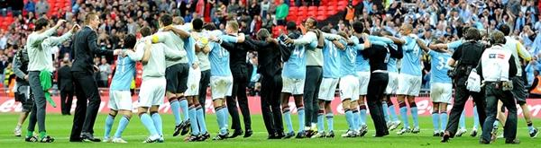 Man City players do the Poznan